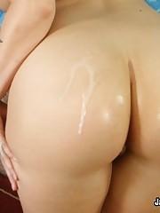 Holie Stevens Rubs Her Clit While Fucked