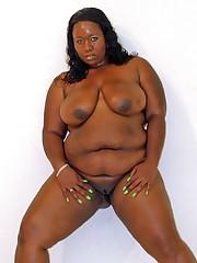 Ebony Babe Daphne Fucks Big Black Dick