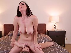 MommysGirl Busty Daughter Learns Pussy Eating