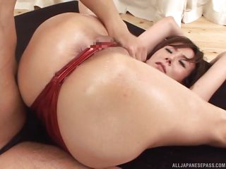 asian on red high heels gets loose