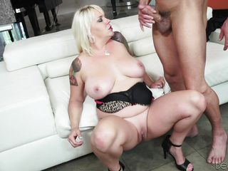 my chubby wife @ fornication 101 #07 squirt edition