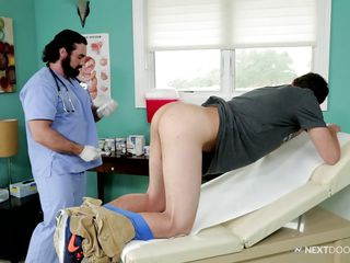 doctor examines his new patient's cock and gets his rod sucked