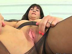 Britain's sexiest milfs part 38