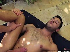 Big dick gay flip flop with creampie