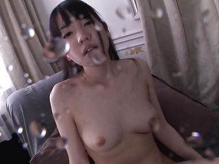 squirting japanese beauty gets fucked