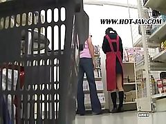 Real-time blowjob and pussy feeding in a Japanese supermarket