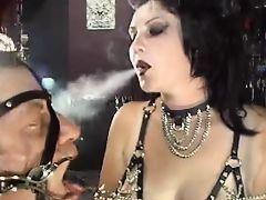 Ashtray Slave