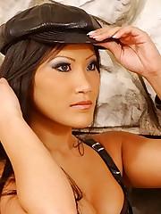 Hot Domme Christina Slave Teasing
